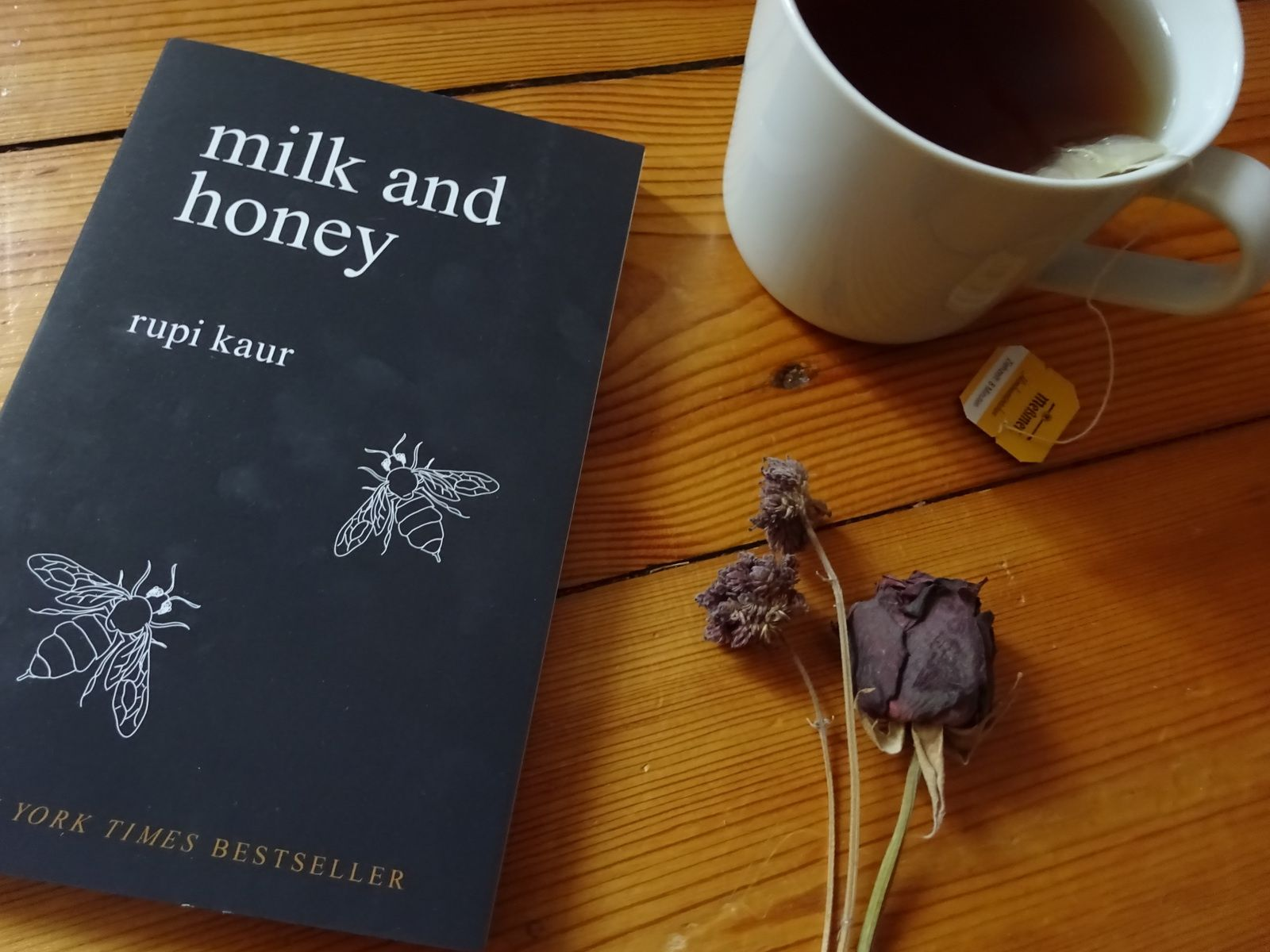 Buchbewertung: 'milk and honey'