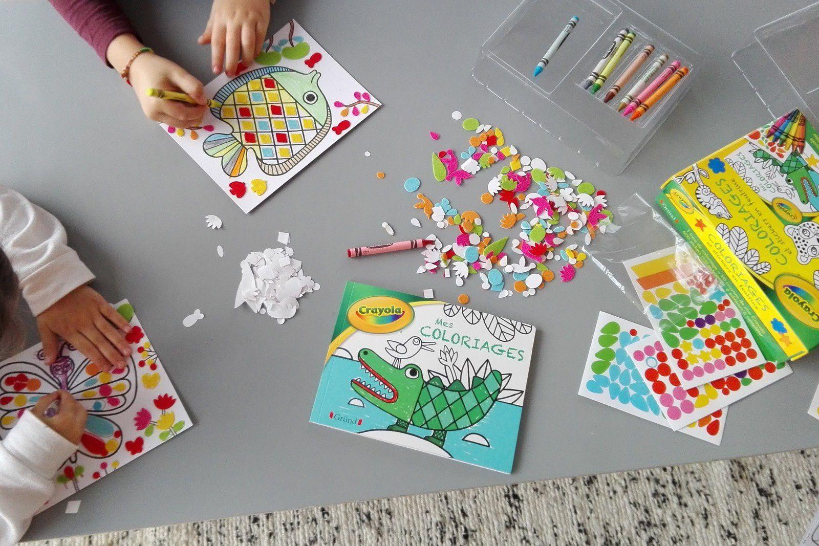 Jouer avec eux en créant des jolis cartes...