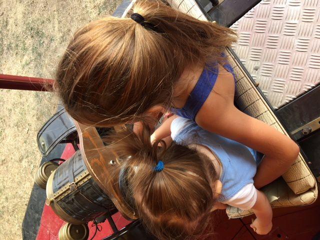Manège entre soeurs