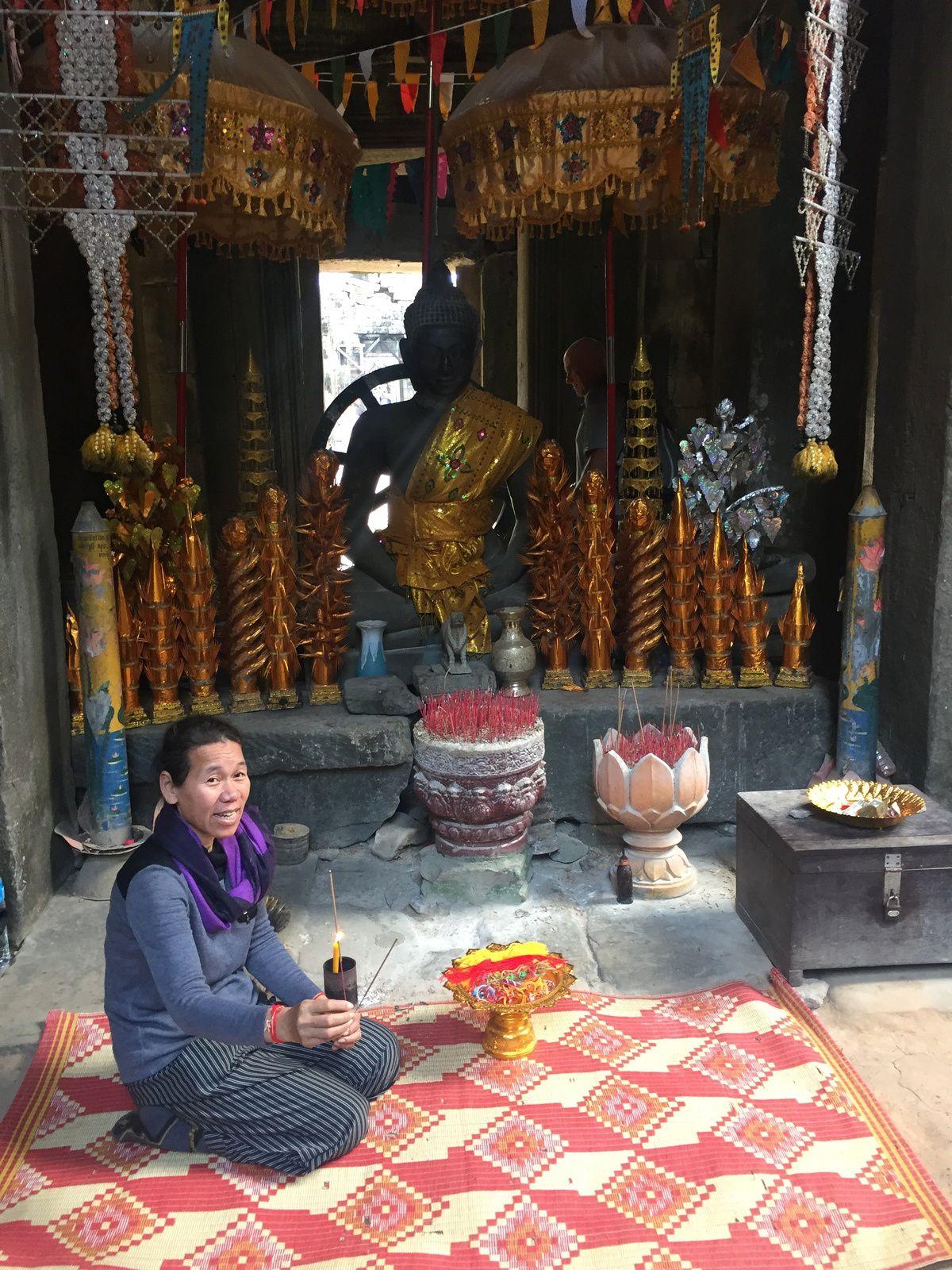 Temple Ta Keo et lac sacré
