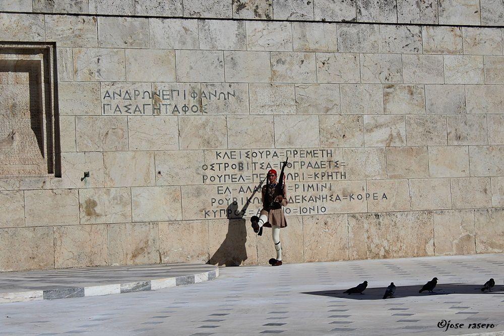 Plaza Syntagma (I)  Evzones