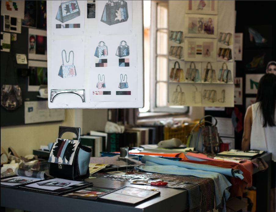 Scuola di Moda e designer moda per una  formazione professionale e creativa