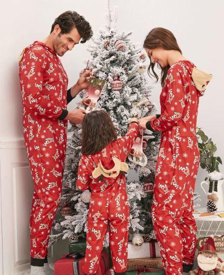 Natale e regali sconti e offerte: il pigiama natalizio per tutti