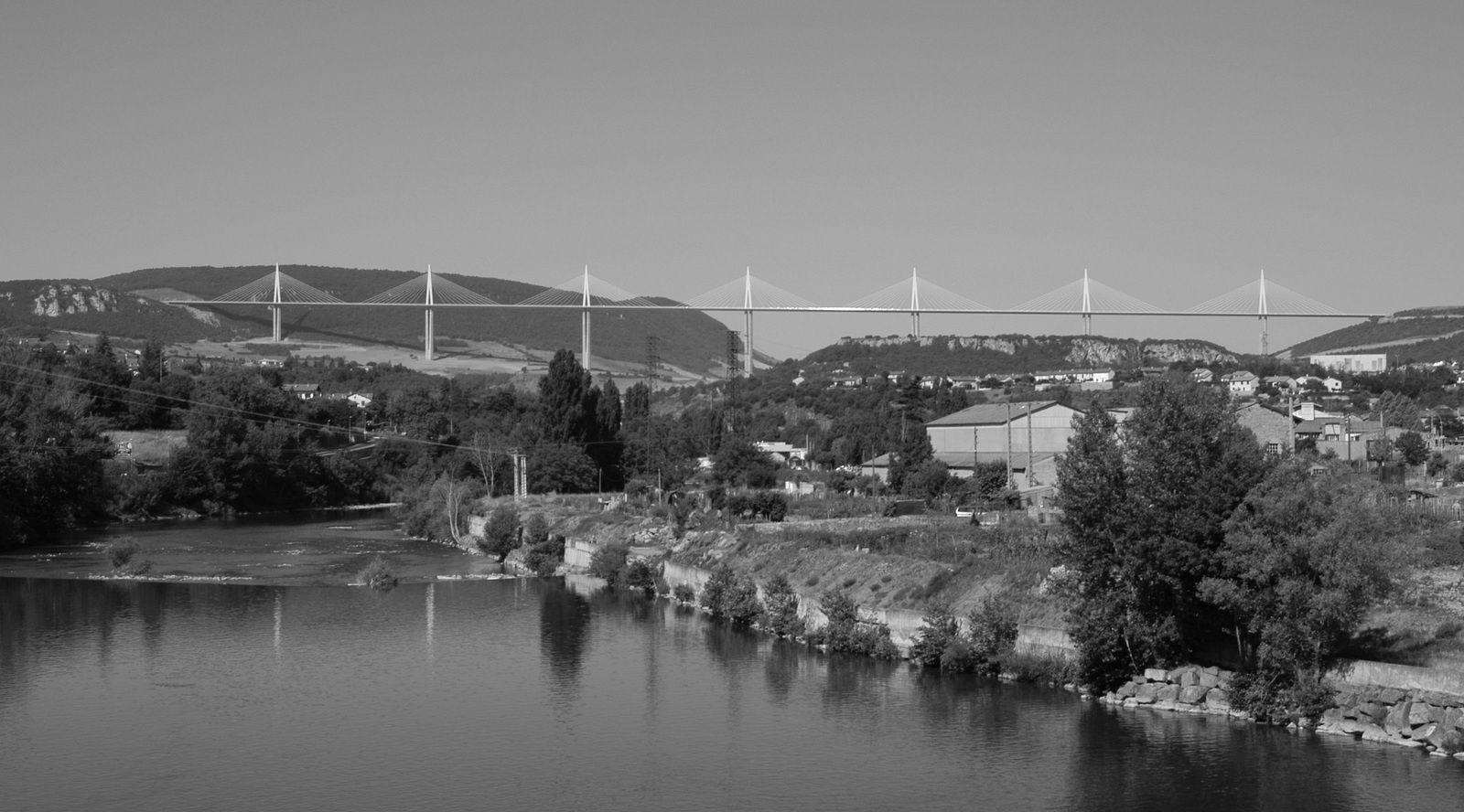 Patrimoine : Viaduc de Millau, symbole de tous les records