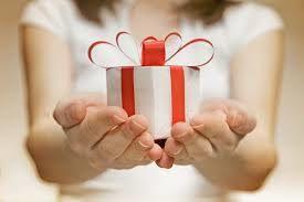 Offert un cadeau à votre père ou votre beau père c'est le temps d'amener vos pères au restaurant.