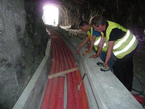 La galerie d'évacuation du tunnel