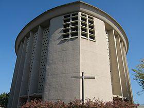 Eglise St Julien de Caen (classée en 2007) en forme de grain d'orge avec sont germe