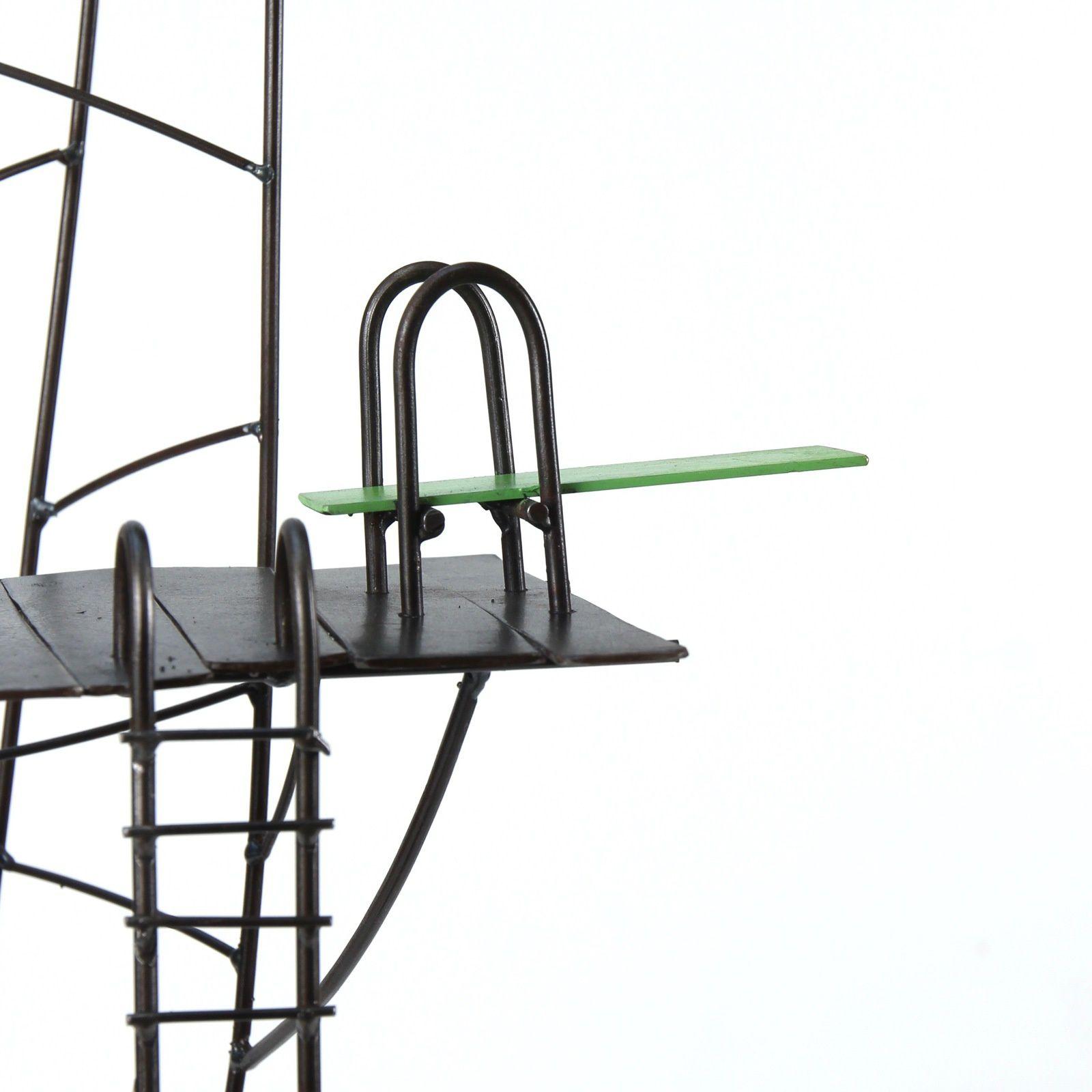 Détails : le motel du lac h 93 cm, le refuge h : 85 cm, l'étoile rouge h : 158 cm et Copacabana h : 27 cm