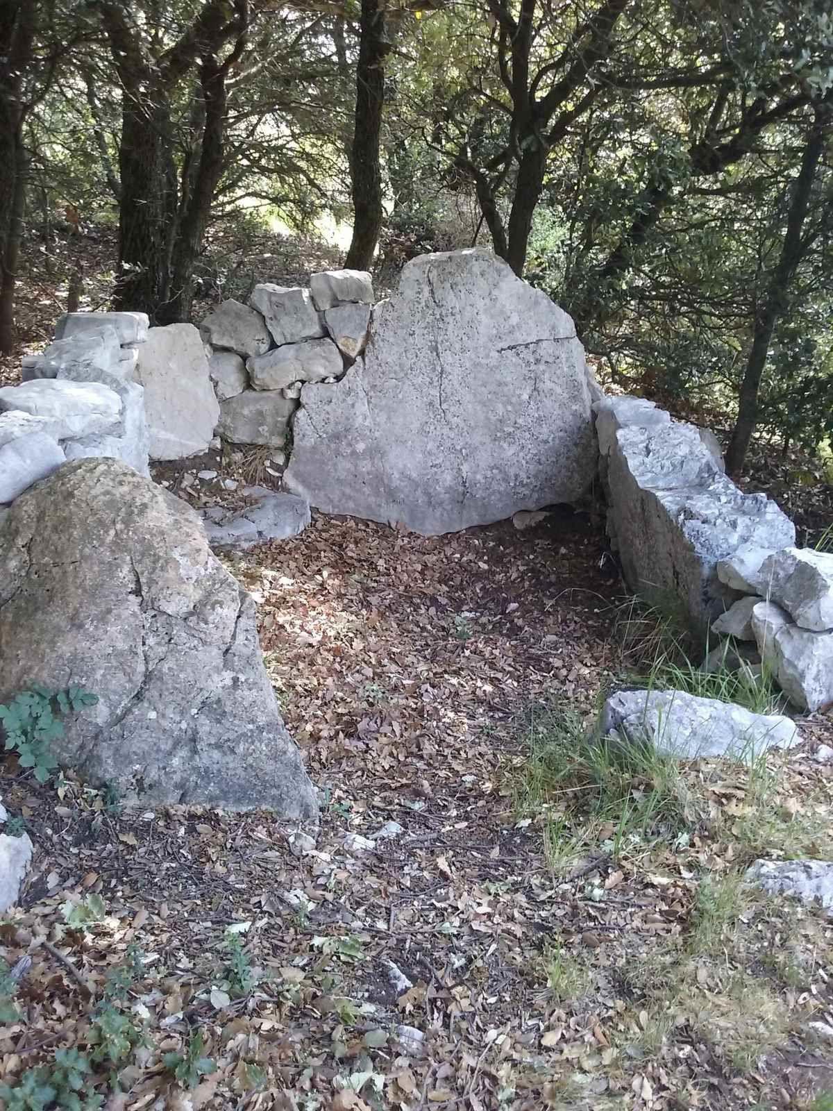 Le dolmen