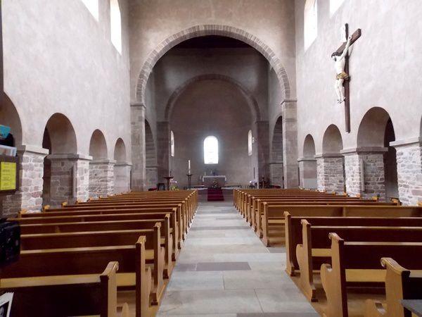 L'évêque Remigius fonde l'abbaye d'Eschau