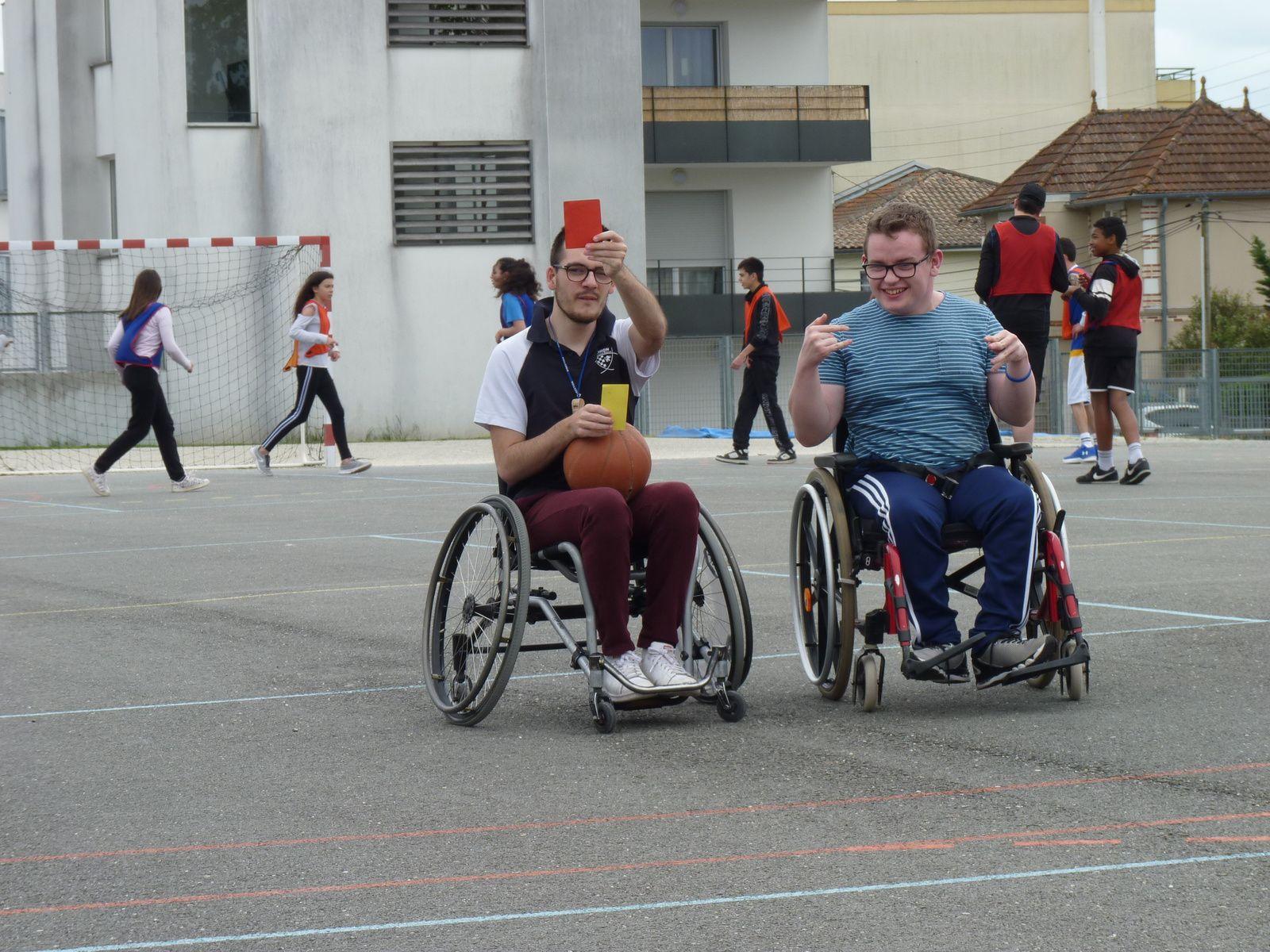 Rencontre basket fauteuil au collège Saint André