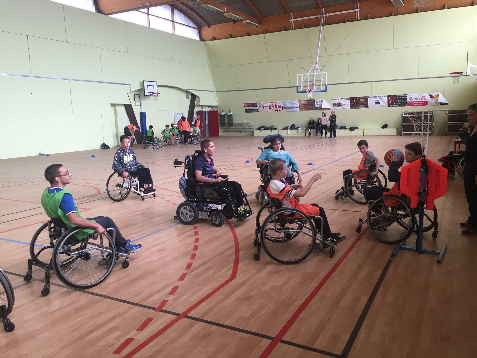 Sortie AS EREA à Eysines pour rencontre en sport partagé Basket-ball