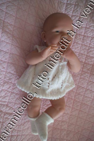 tuto gratuit poupée et layette prématurée: robe délicatement ajourée
