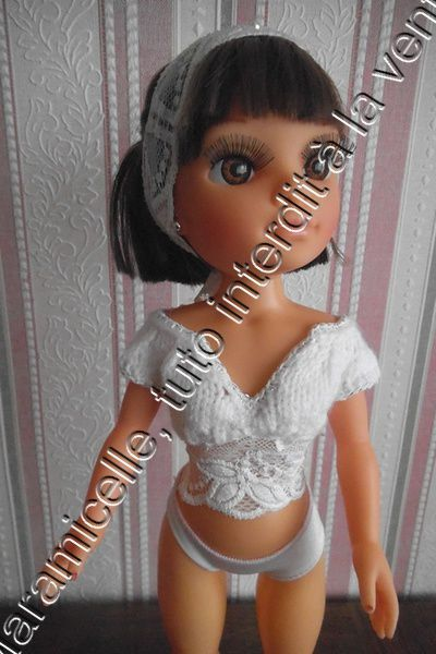 tuto gratuit poupée: petit haut tricot et dentelle