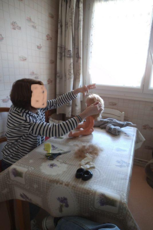 ma dernière poupée est allée chez la coiffeuse