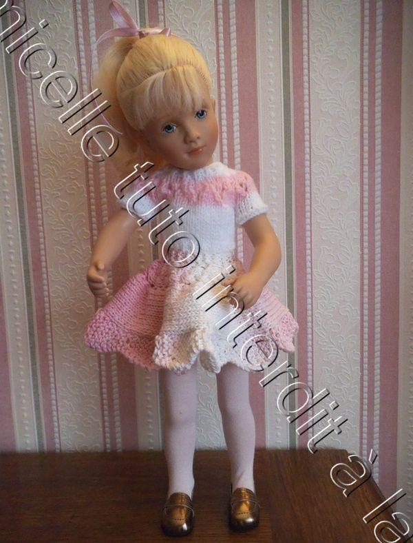 tuto gratuit poupée ; pull bicolore à petits trous