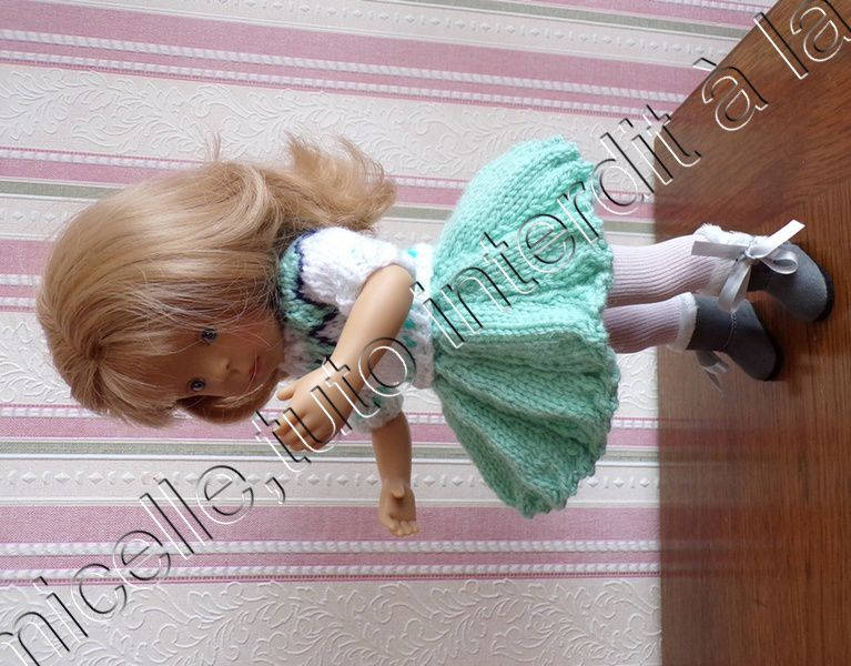 tuto gratuit poupée  : pull jacquard entièrement boutonné
