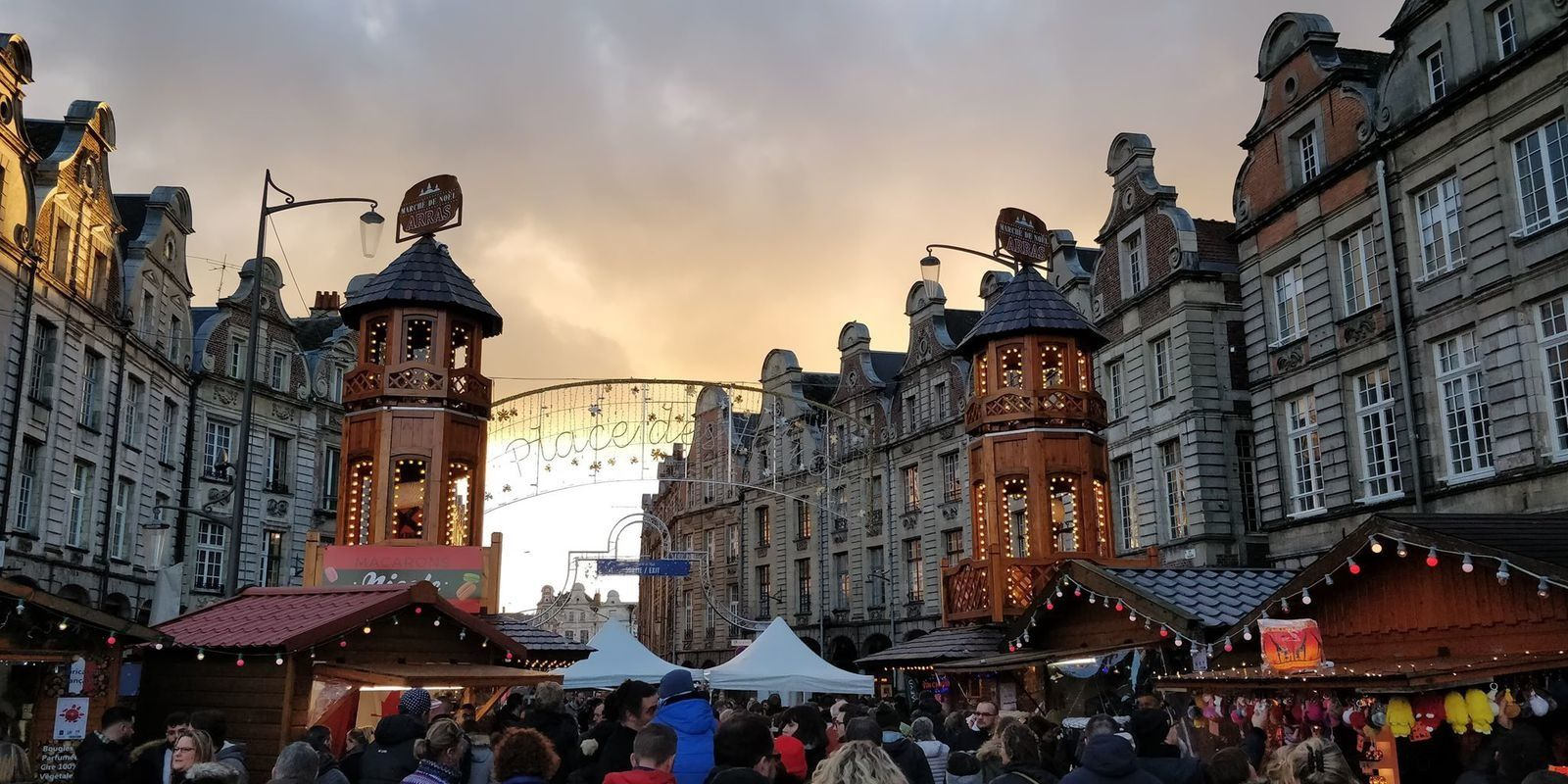 les places d' Arras à Noël