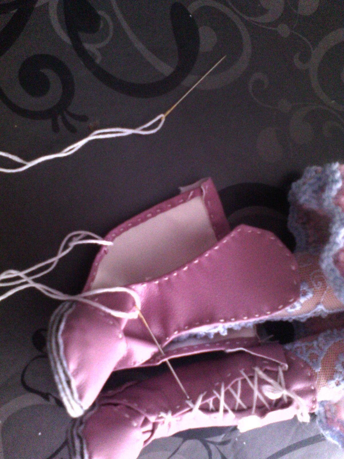 tuto gratuit  poupée étape par étape : bottes  par Victoria Lynn