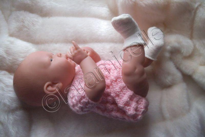 tuto  gratuit  poupée  : bébé Bérenguer ou prématurés  : robe toute douce en faux raglan