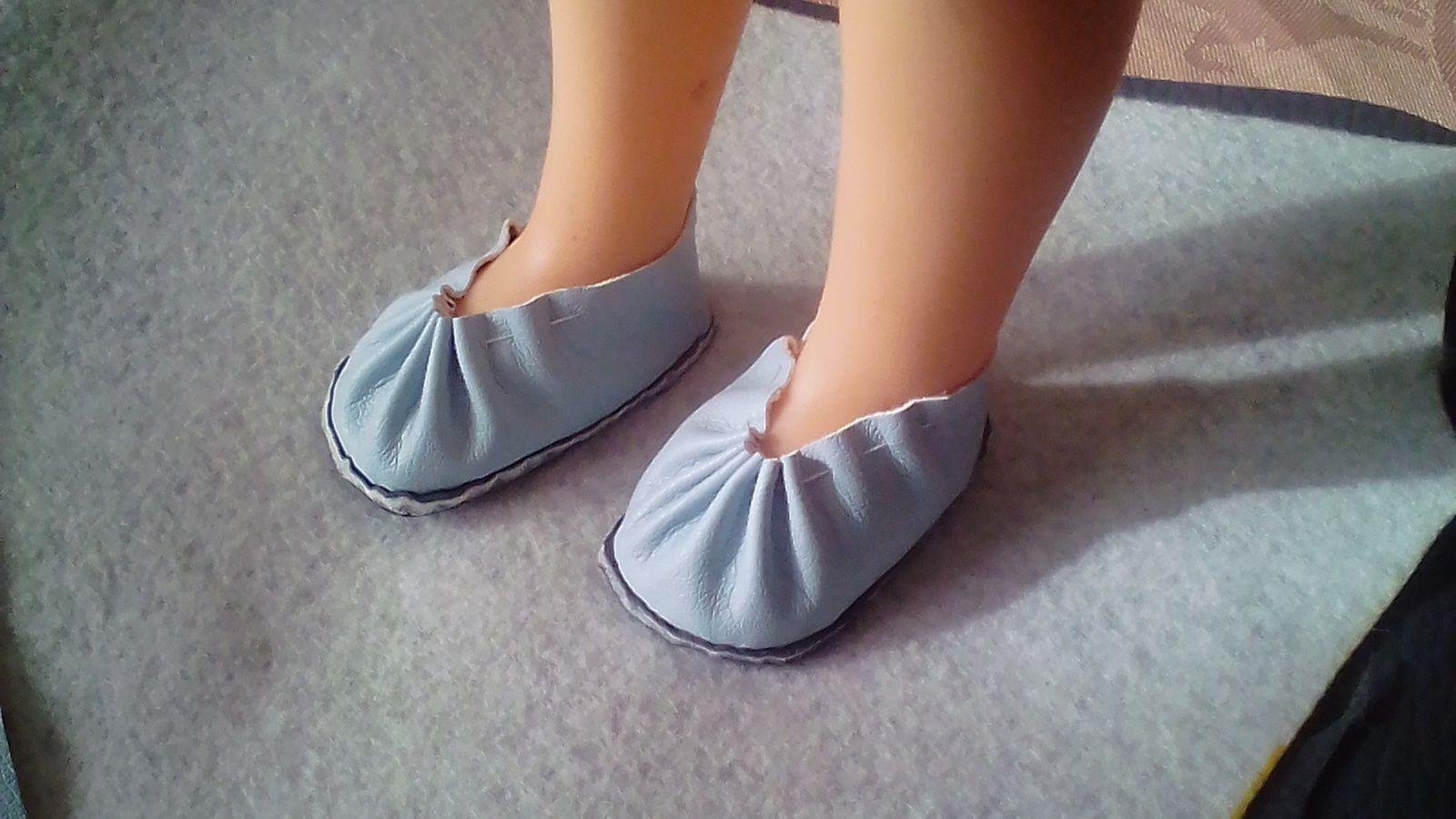 tuto gratuit  poupée  : chaussures  plissées par Victoria Lynn