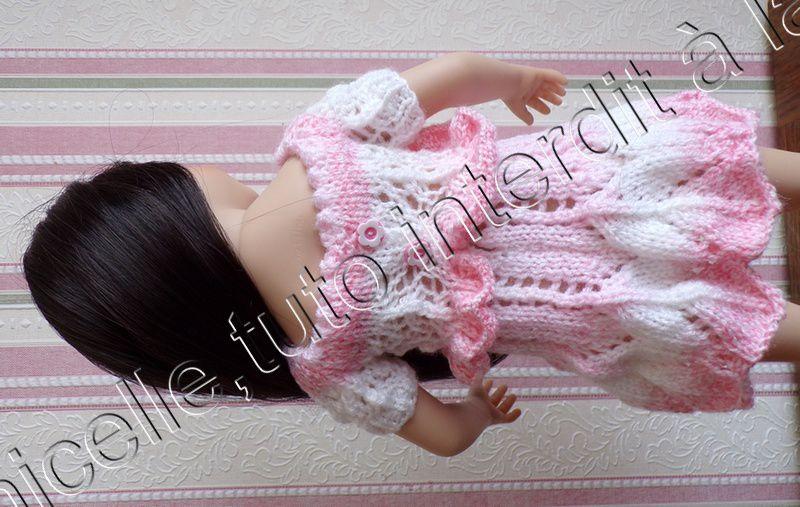 tuto gratuit  poupée  : blouse  féminine , décolletée et ajourée