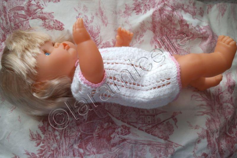 tuto gratuit poupée nénuco : robe ajourée/ brassière layette