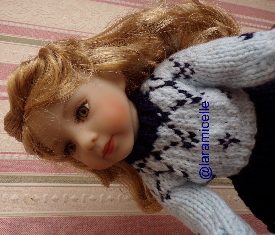 tuto gratuit poupée  : petit pull jacquard