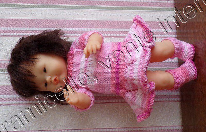 tuto gratuit  poupée  : chaussettes  tricotées avec des aiguilles droites