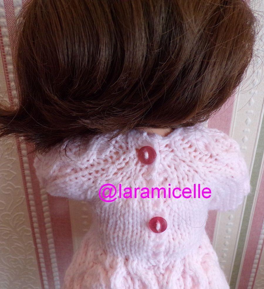 tuto gratuit  poupée  : robe douceur au col  torsadé