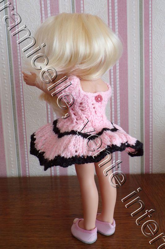 tuto gratuit poupée  : robe bicolore ajourée