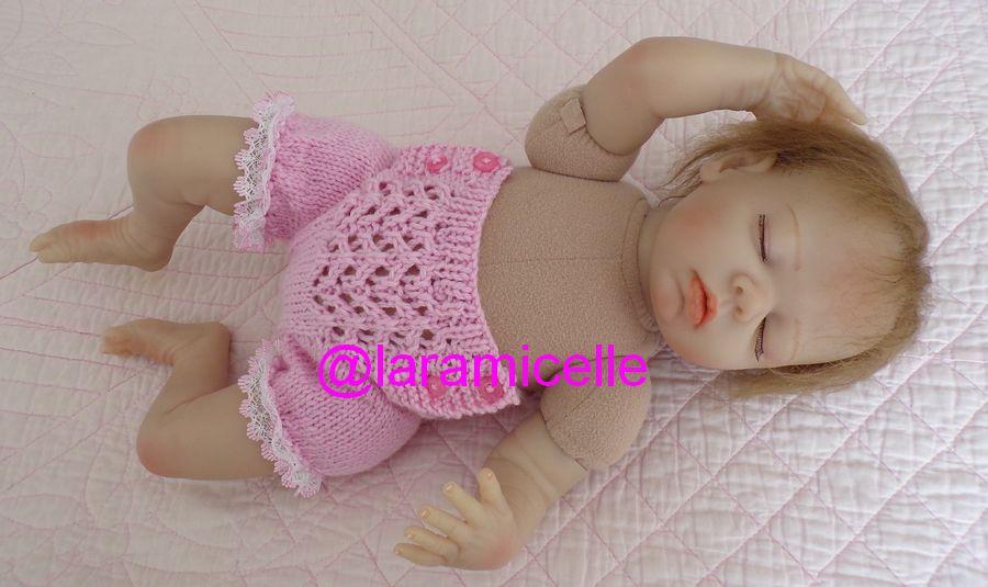 tuto gratuit poupée  : petite culotte à boutons et à dentelle