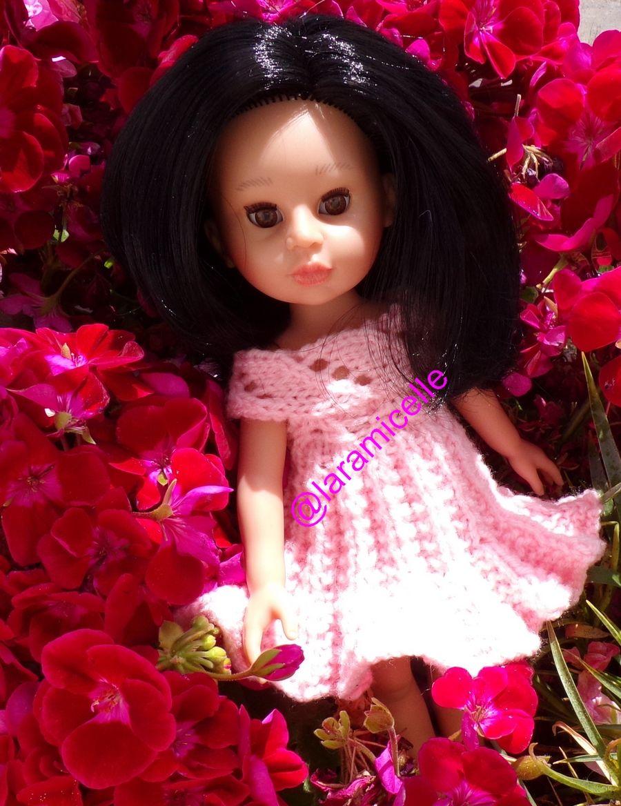 tuto gratuit poupée; robe soleil et petits trous