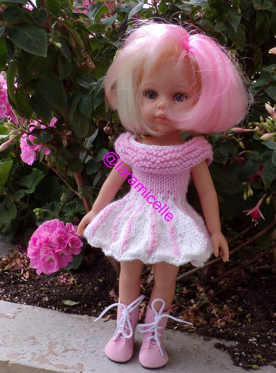 tuto gratuit poupée  : robe corolle ondulée au grand col