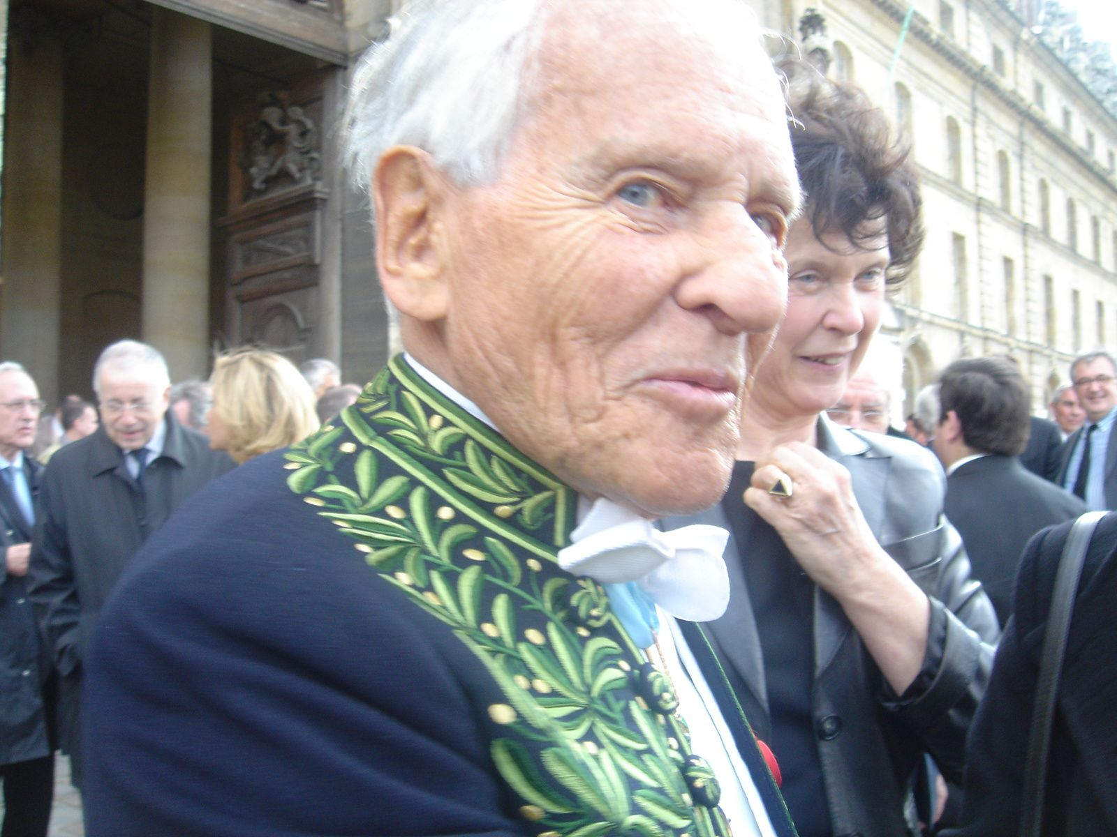 Jean d'Ormesson et son regard espiègle (ma photo prise lors de l'hommage national à Maurice Druon en avril 2009).