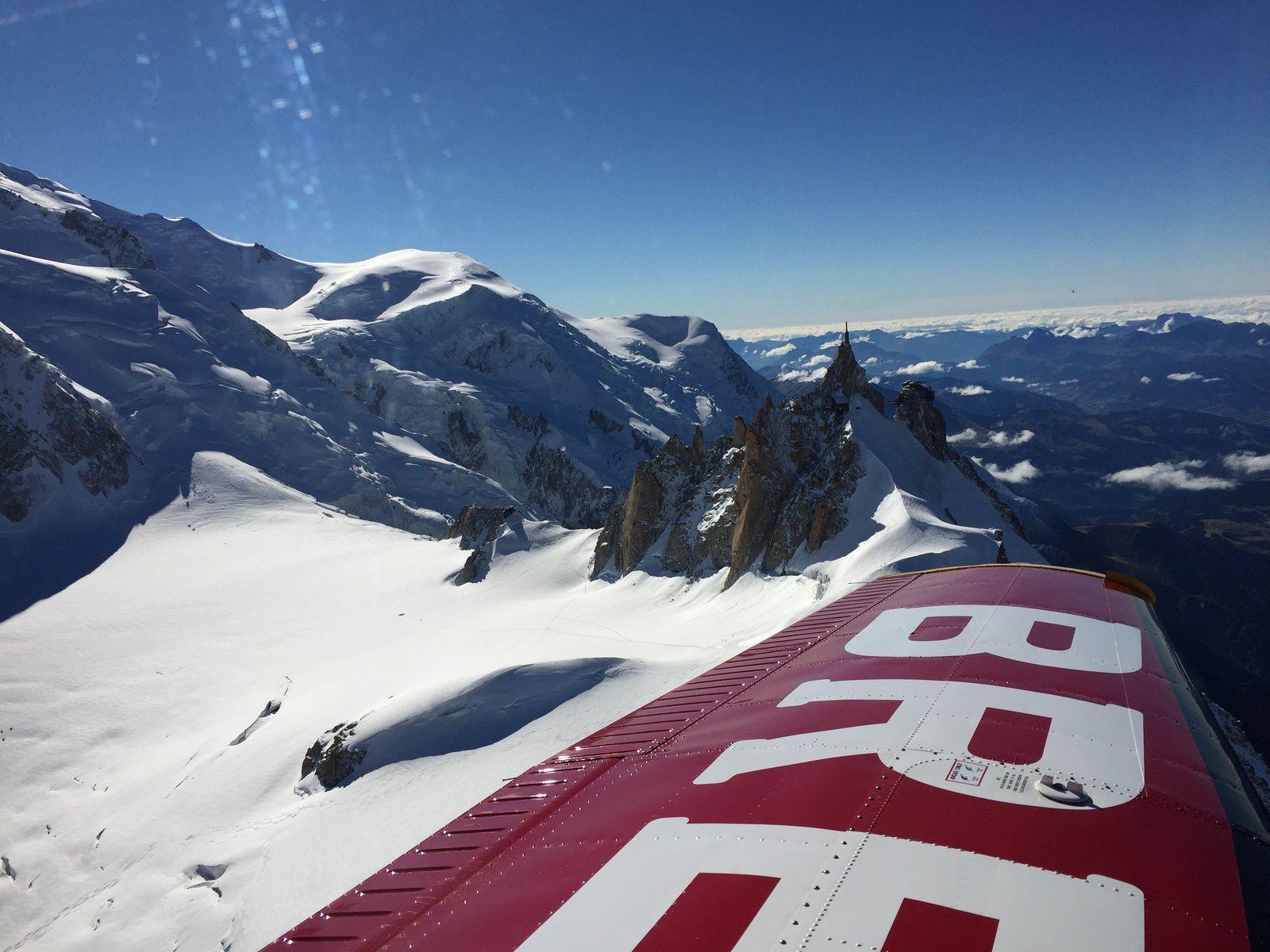 Vol automnale autour du Cervin et du Mont-Blanc
