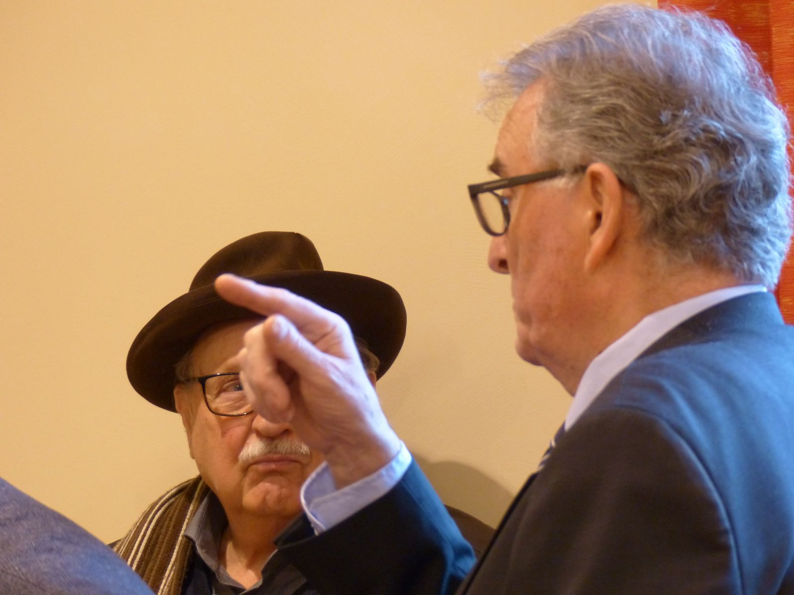 Photos Claude LANGAIN: Le Conseil d'Administration reçu à la salle du Conseil Municipal pour le Vin d'Honneur offert par le Maire et son Conseil Municipal