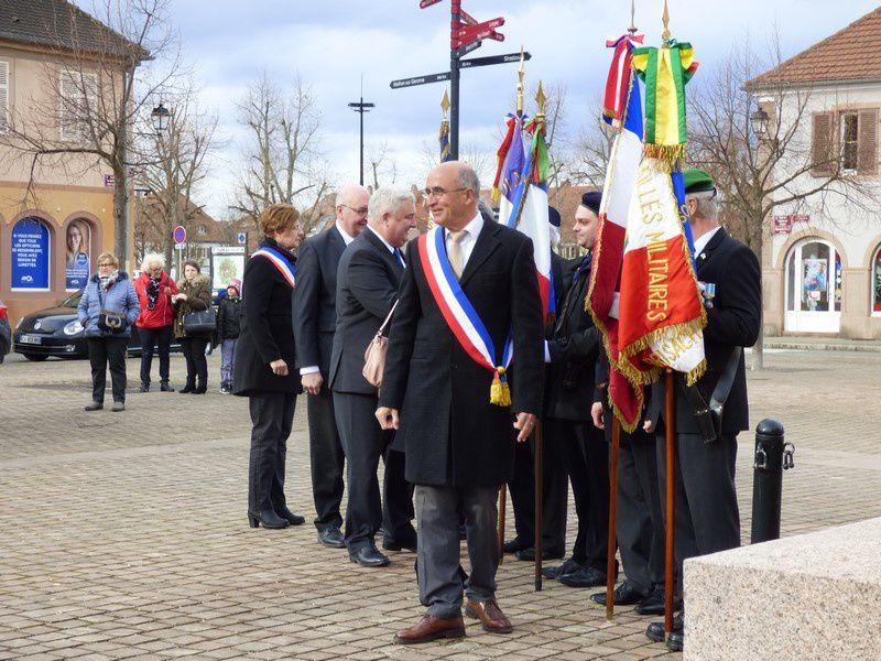 La cérémonie Place Meilhan sur Garonne à Neuf-Brisach