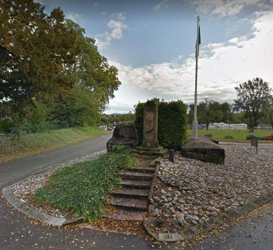 Fort de Heiteren, zone Caserne Abbatucci, Monument au bord du Rhin du 28ème RIF photos d'Internet
