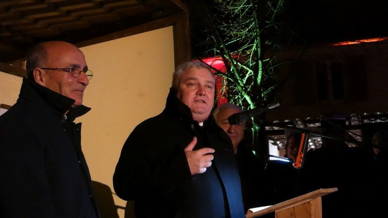 Les discours d'inauguration du Président du Comité des Fêtes Vauban, de Monsieur Alvarez le maire, de Monsieur Straumann, député, du préfet du Haut-Rhin, en présence des autorités civiles, religieuse et militaires