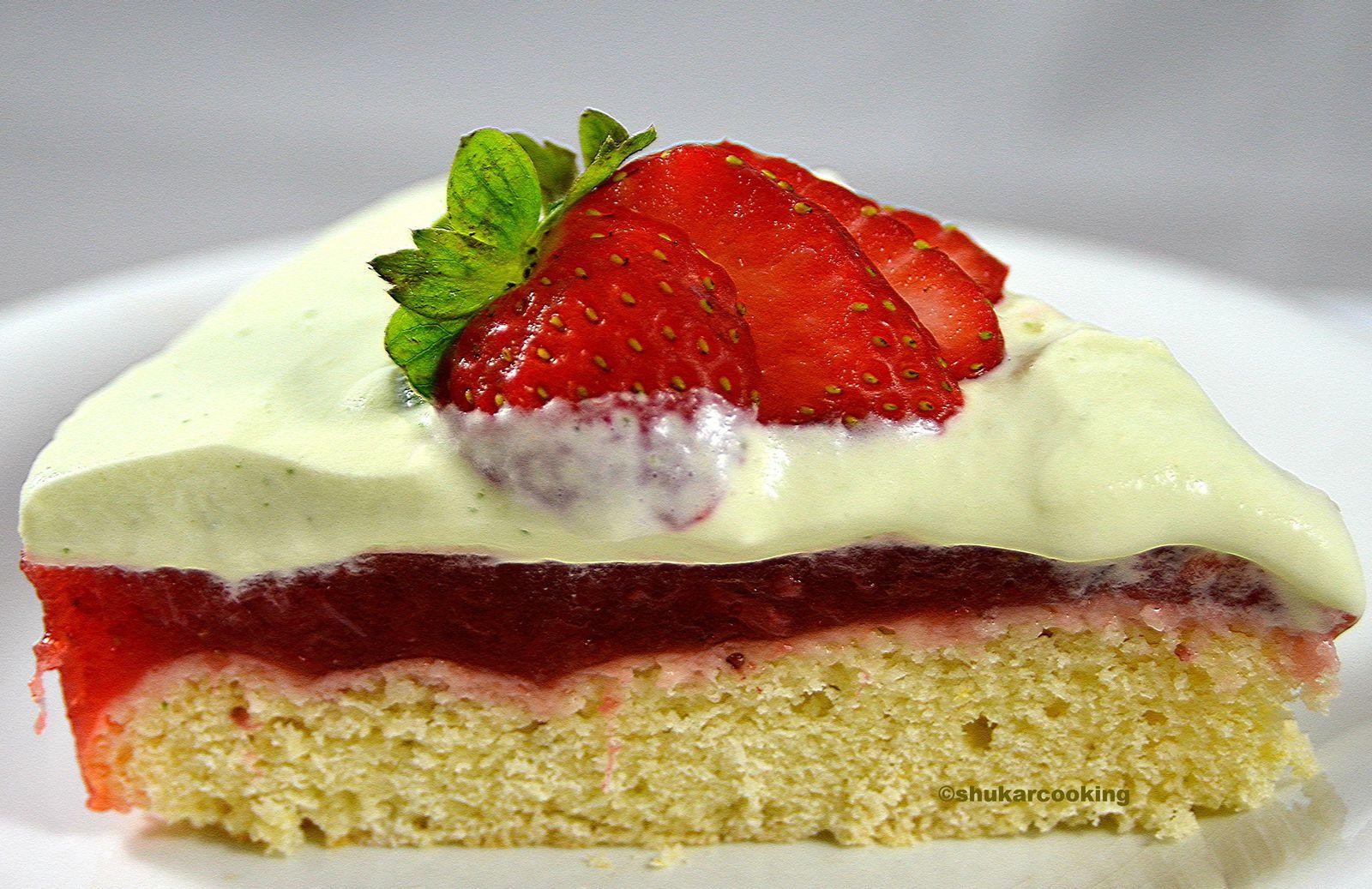 Gâteau aux fraises, chantilly au basilic et biscuit à l'huile d'olive