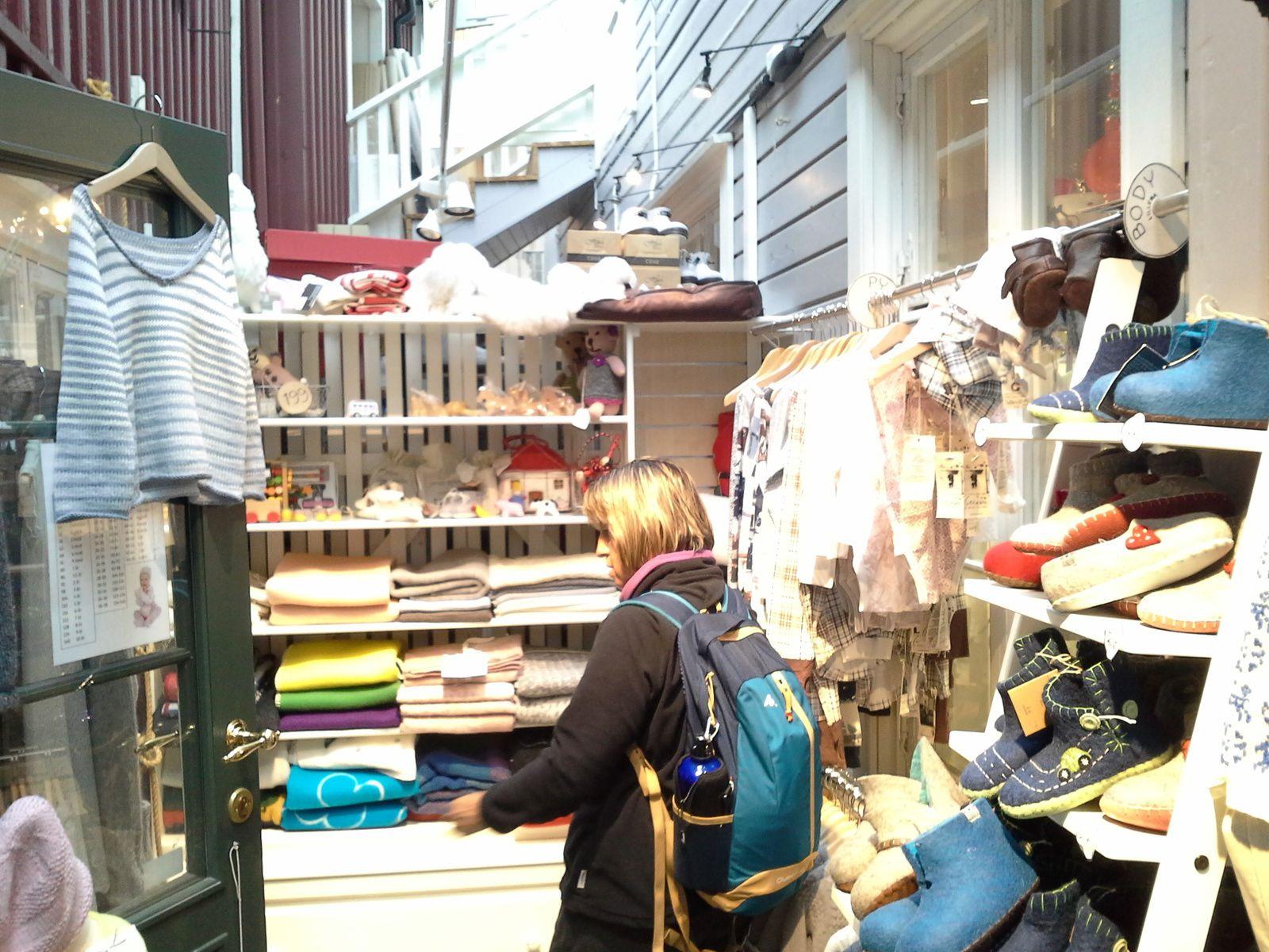 magasin usine tres coloré