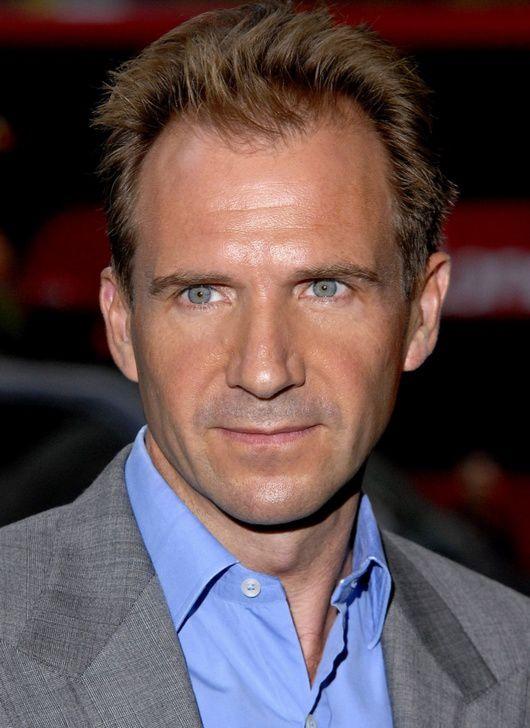 Caleb Cyr - un psychopathe dangereux tel que je me le représentais (Ralph Fiennes) | Conquise