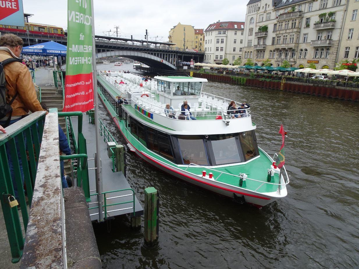 Croisière sur la rivière la Spree qui tourne à la catastrophe. | Berlin, Allemagne | Conquise