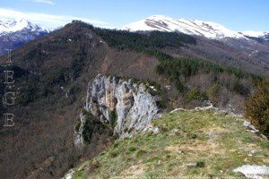 Sommet du Mont vu de la Roche Ronde (1001m)