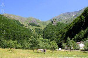 Pic des Maurets - Pic de l'Arrech - Col de Crusous vus des anciennes mines d'Anglade (1204m)