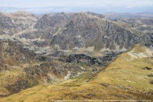 Pic et étang de la Sabine vus du pic de Serrère (2912m)