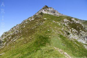 Pic de l'Arrech vu du col de Crusous (2203m)