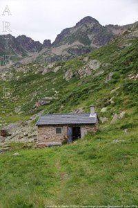 Cabane de la Vésine (2100m)