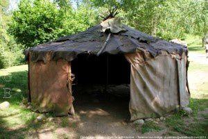 Habitat magdalénien - Parc de la Préhistoire